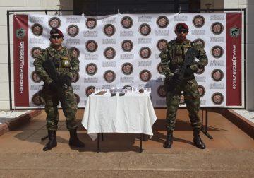 Ejercito halla maletín con explosivos y munición en barrio de San José del Guaviare