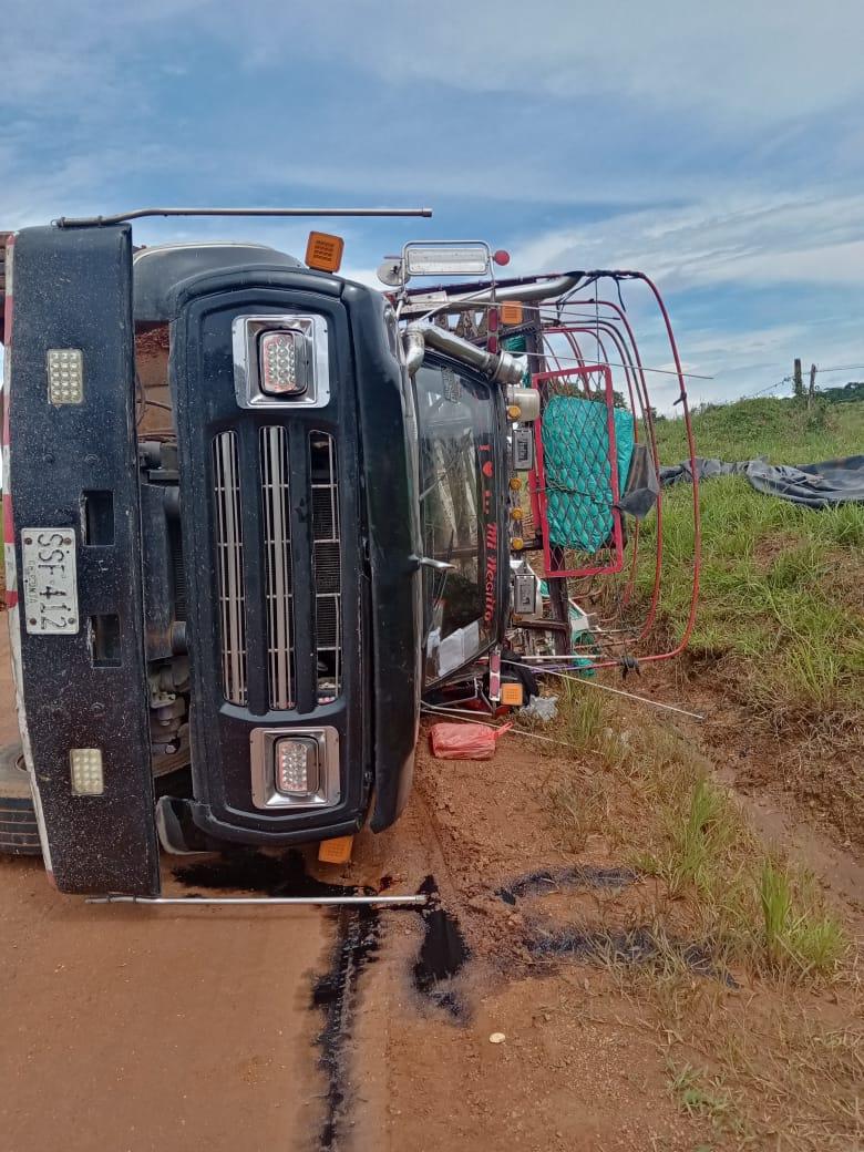 Transportadores denuncian mal estado de la vía Retorno - Calamar